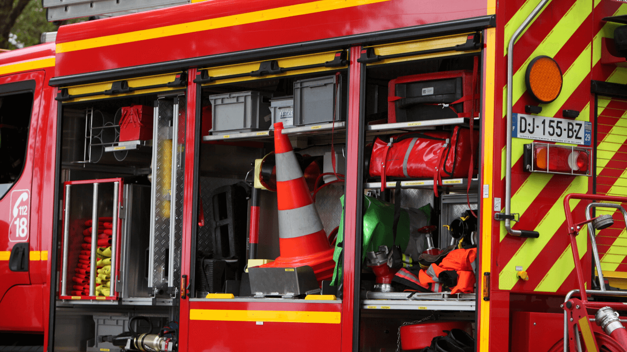 FRENCH FIREFIGHTING VEHICLES